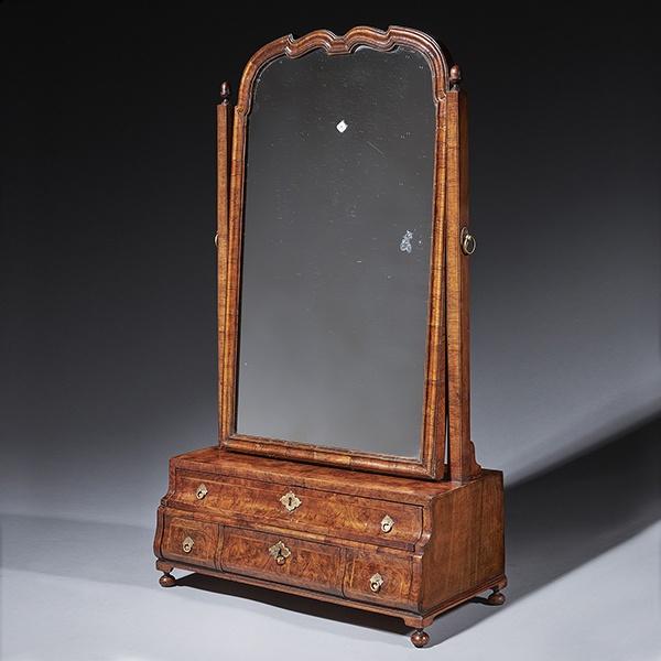 A fine burr walnut George I dressing mirror. Circa 1715-25 England.