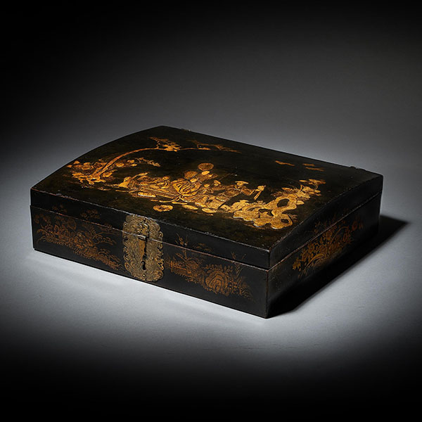 18th Century George I Domed Topped Japanned Chinoiserie Falconry Box