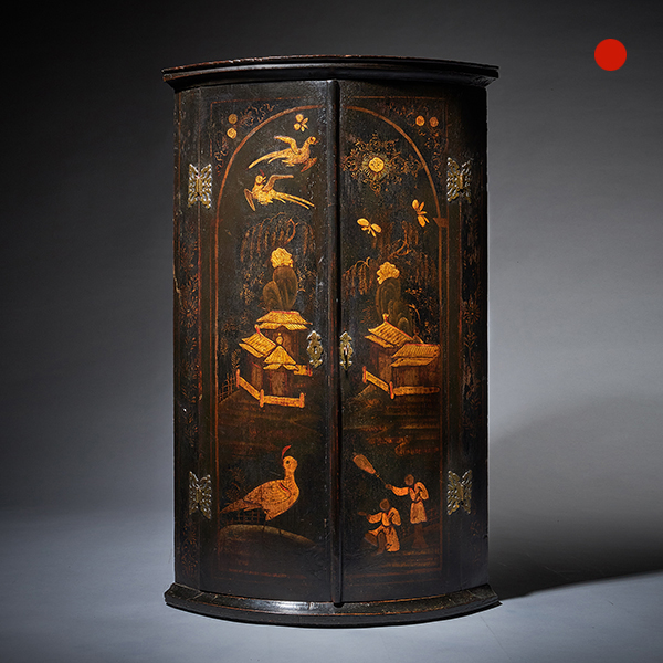Early 18th Century Queen Anne/George I Japanned Chinoiserie Corner Cupboard